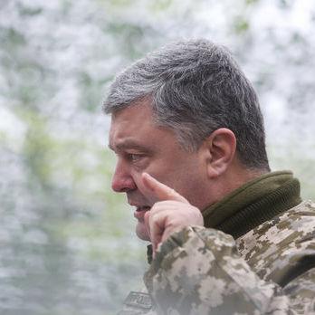 Порошенко: Нехай Росія знає, що ми дев'ять грамів свинцю припасли для кожного, хто прийде до нас із мечем