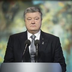 Порошенко підписав закон про компенсації за оренду житла військовим-контрактникам