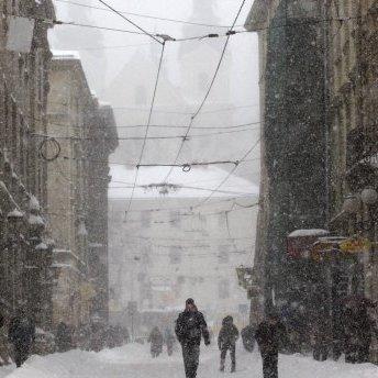 Прогноз погоди на 17 березня: снігопади, хуртовини та морози знову накриють Україну