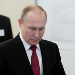 Путін відддав свій голос на виборах президента в Москві (фото)