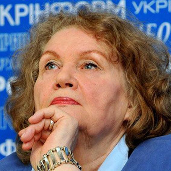 Сьогодні день народження Ліни Костенко
