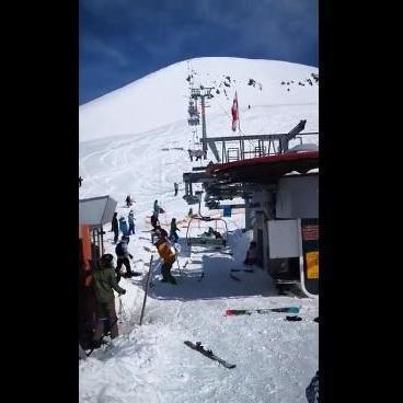 Жахлива аварія на гірськолижному курорті в Грузії: стало відомо про стан постраждалої