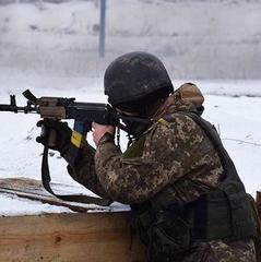 У результаті бойових дій на Донбасі за добу поранений один український військовий