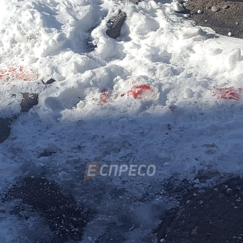 У Києві вибухнула граната в багатоповерхівці, є поранені (фото)
