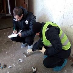 У Києві в під'їзд кинули гранату (фото, відео)
