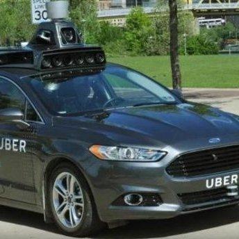 У США безпілотне авто Uber на смерть збило жінку: компанія припиняє випробування