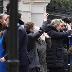 Отруєння Скрипаля: російські дипломати вже поїхали з посольства у Лондоні (фото)
