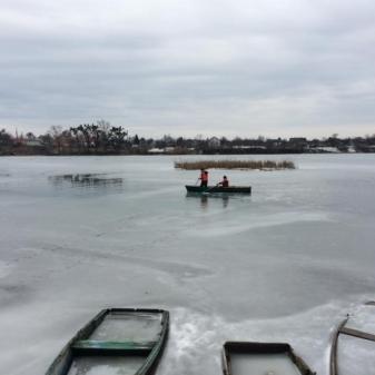 На Дніпропетровщині в ополонці знайшли загиблого рибалку