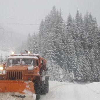 У Запорізькій області через негоду обмежено рух вантажівок і маршруток на ряді трас