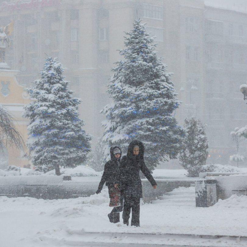 Погода: у більшості областей очікується сильний сніг і хуртовини