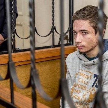Українця Гриба суд РФ залишив під вартою і не дозволив зустріч із мамою (фото)