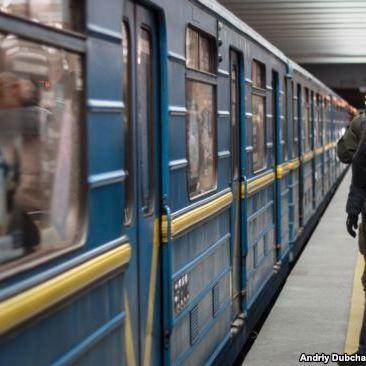 Поліція вилучила вибухівку в пасажира метро у Києві