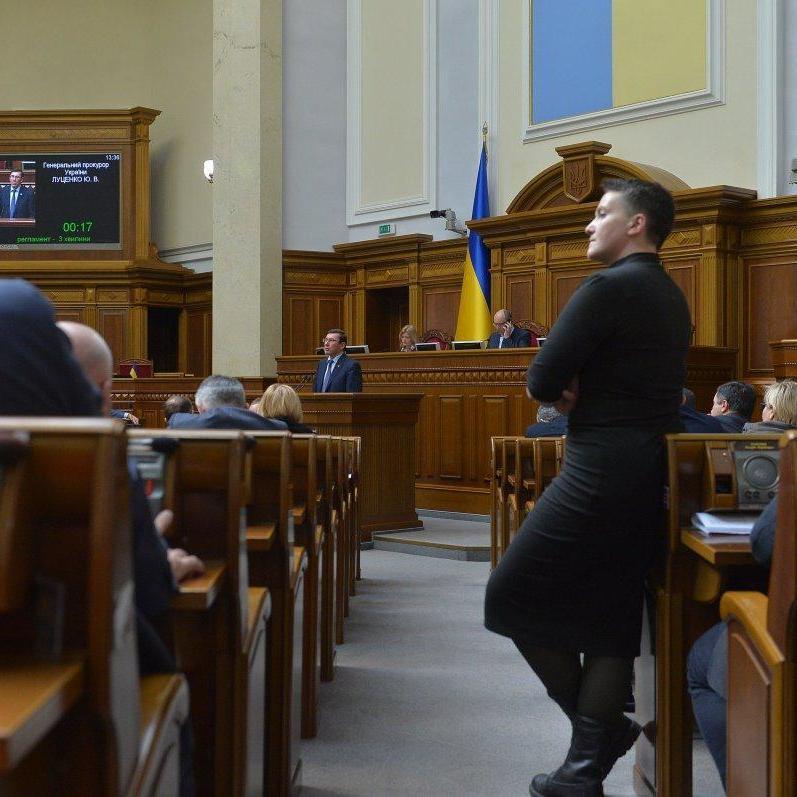 Суд обиратиме запобіжний захід Савченко завтра зранку – адвокат