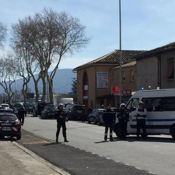 В результаті захоплення заручників у Франції 3 осіб загинули, 16 поранені