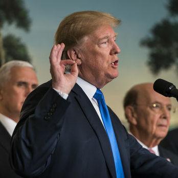 Трамп може вислати зі США десятки російських дипломатів у відповідь на отруєння Скрипаля – Bloomberg