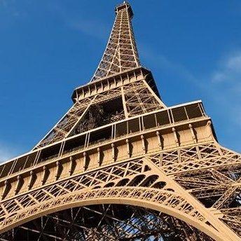 Ейфелева вежа кардинально змінить свій колір
