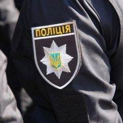 На Київщині грабіжники, втікаючи від поліції, захопили у заручники бабусю з дітьми