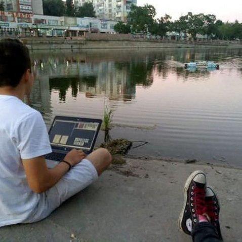 У Кропивницькому винайшли робота, який чистить річки від сміття
