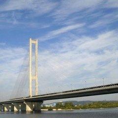 У Києві обмежать рух транспорту Південним мостом