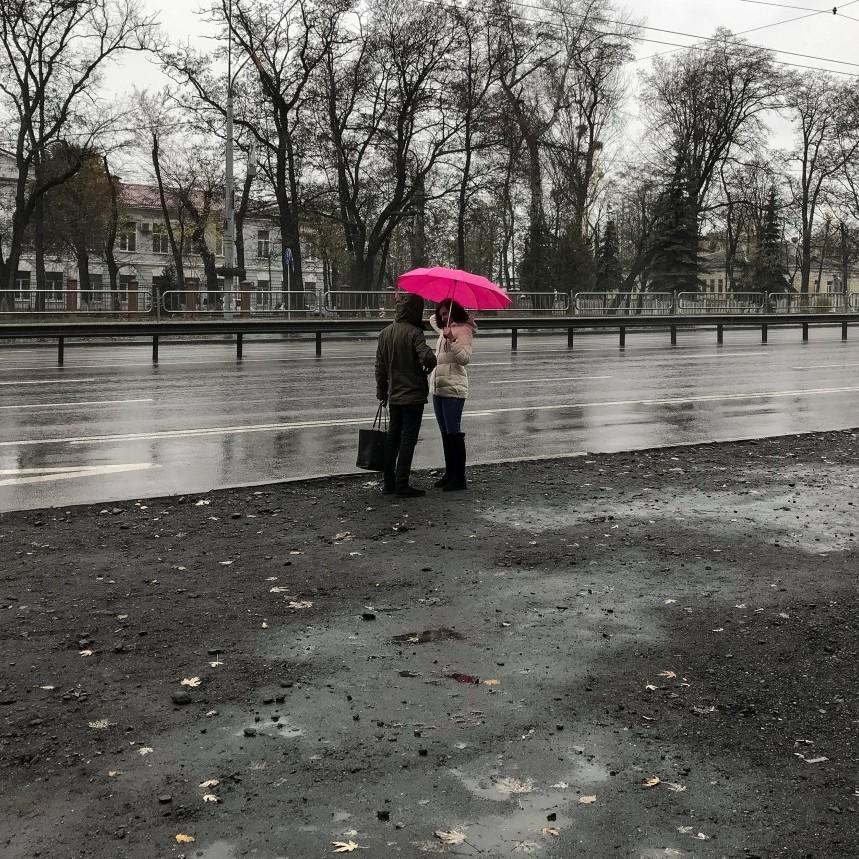 В Україні сьогодні місцями пройдуть дощі і сніг, на півдні потепліє до +13° (карта)