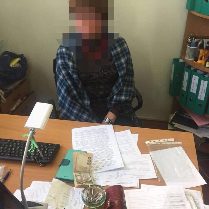 Чиновниця із КМДА затримана на хабарі