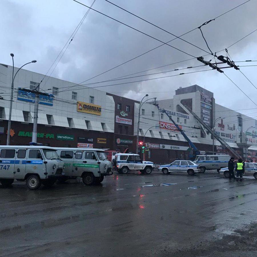 Гідранти не працюють, виходи захаращені: охоронець, що вимкнув сигналізацію, розповів про порушення пожежної безпеки в ТЦ Кемерові