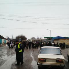 Селяни другу добу блокують діряву дорогу на Кропивницький (фото)