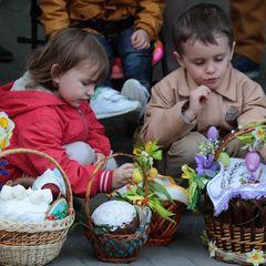 Українців у квітні очікують два додаткових вихідних - один доведеться відпрацювати