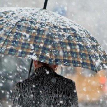 Прогноз погоди: в Україні похолодання з дощами та снігом