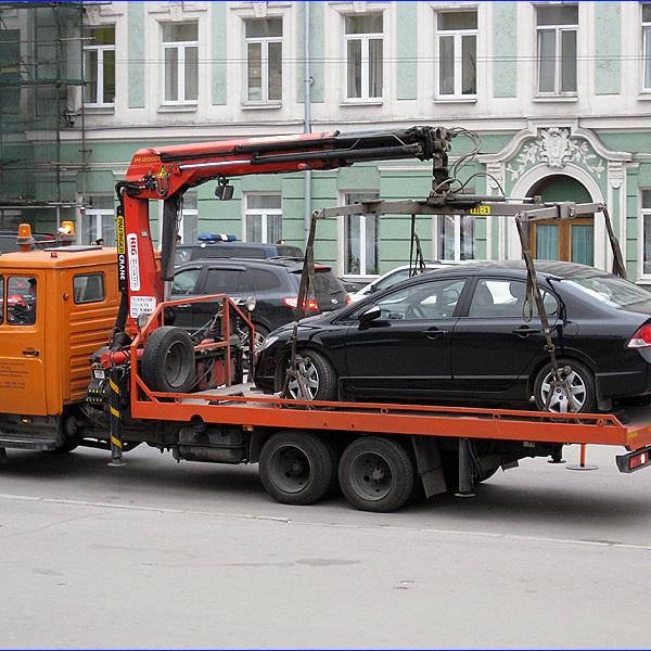 Нові правила паркування: в Україні дозволили фотофіксацію порушень та евакуацію авто