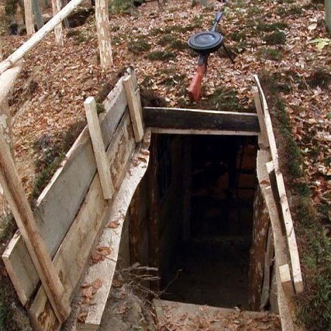 Внаслідок обвалу саморобної криївки на Львівщині загинув хлопчик