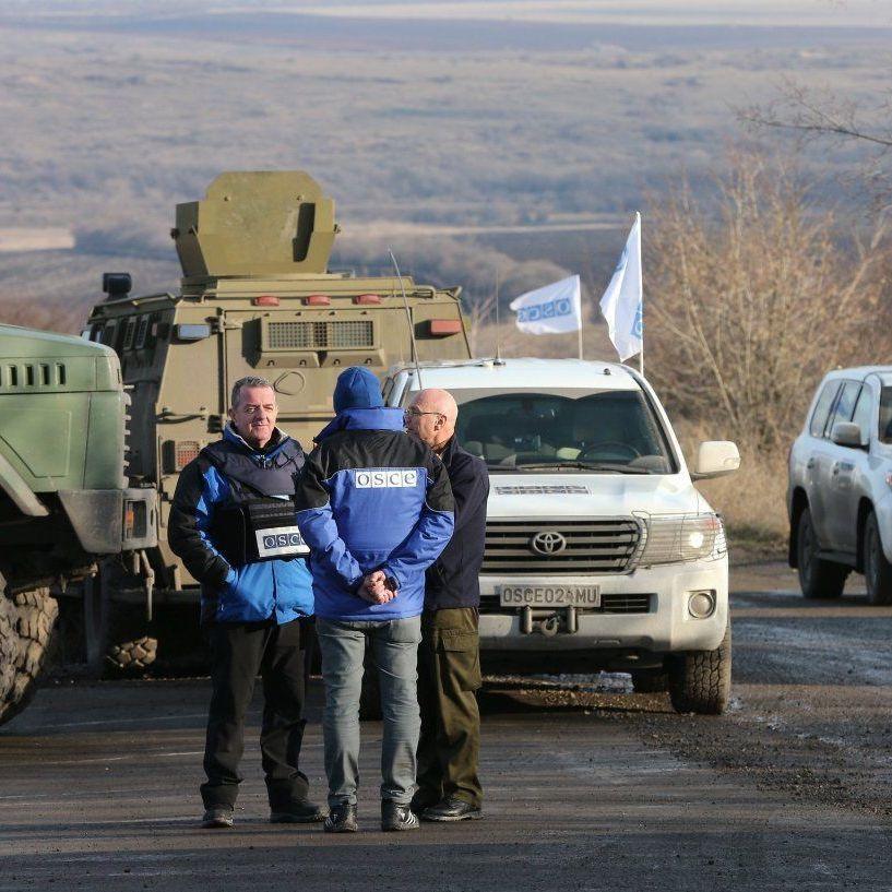 Спостерігачі ОБСЄ за добу зафіксували 330 вибухів на Донбасі