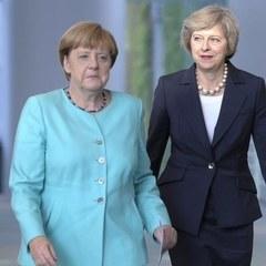 Мей та Меркель домовилися про спільне протистояння посиленню агресії РФ