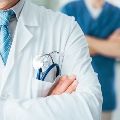 Лікар-онколог назвав 5 головних правил, як вберегти себе від раку
