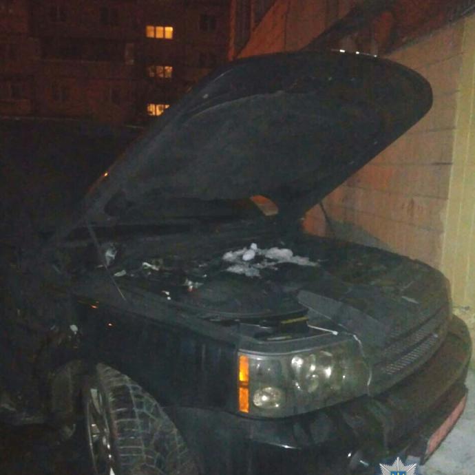 У Києві вибухнув автомобіль: є поранені (фото)