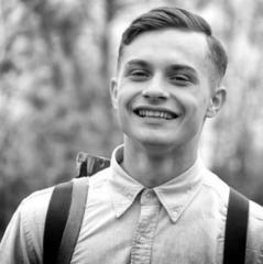У Конотопі попрощалися з загиблим в зоні АТО 19-річним бійцем Діллі (відео)