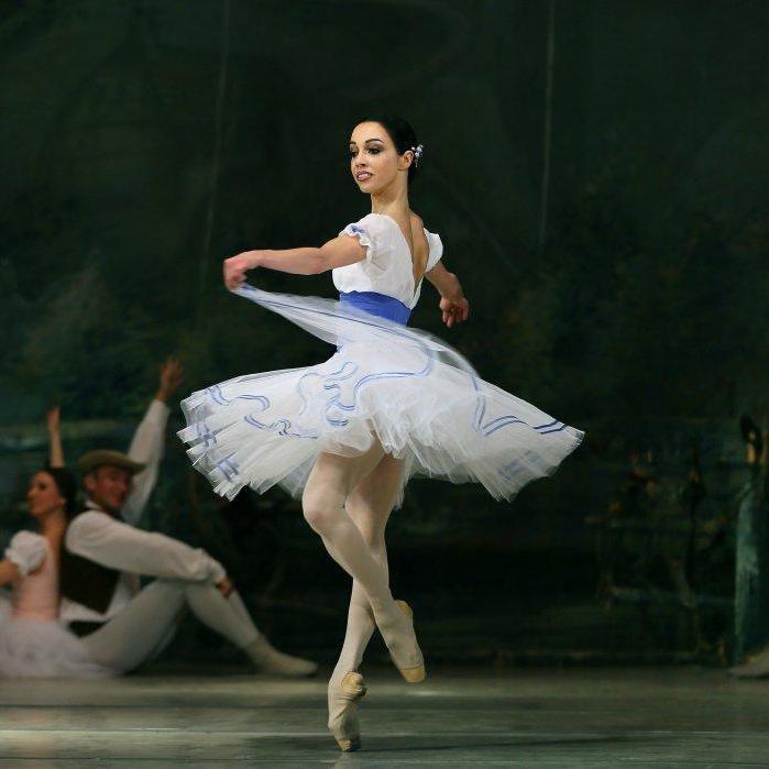 Балерина Катерина Кухар стала Народною артисткою України