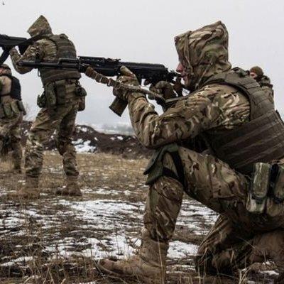 З початку доби бойовики активно відкривали вогонь по українських позиціях: один військовий загинув, трьох поранено