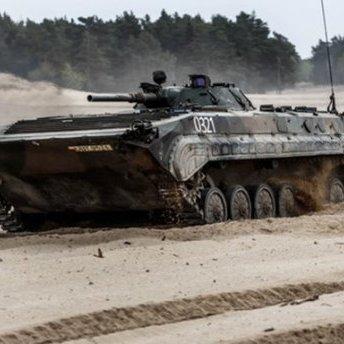 Проросійські терористи таємно стягують танки до лінії зіткнення