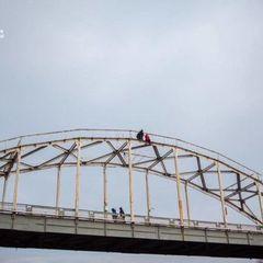На Рівненщині вчителька початкових класів кинулася з 15-метрового мосту