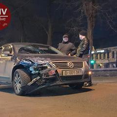 На Подолі сталася ДТП за участю дипломатичного авто РФ (відео)