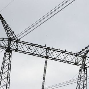 Через сильний вітер в Україні знеструмлено 192 населені пункти в 8 областях