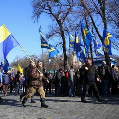 В центрі Києва пройшов марш проти олігархів