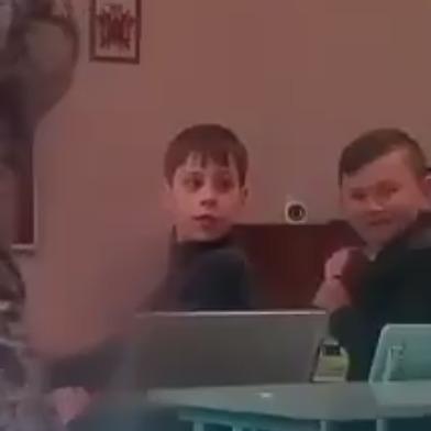 На Житомирщині учні зняли на відео як вчительна обзиває учня, через те, що той встав із-зі парти