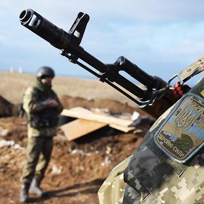 За добу у зоні АТО поранено одного українського військового