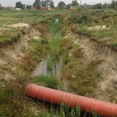 На Львівщині дві малолітні дівчинки впали у вигрібну яму, одна з них загинула