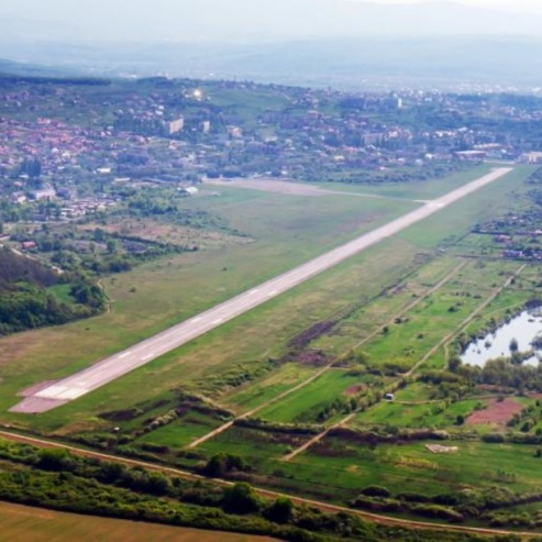 Україна може побудувати новий аеропорт в Хусті або Мукачево