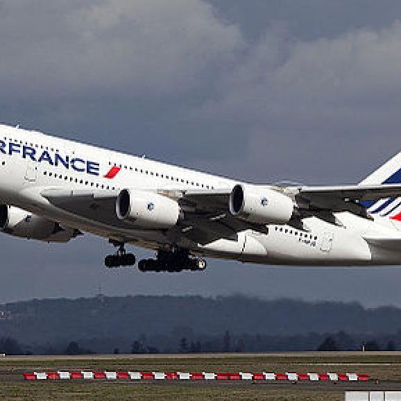 Air France скасувала майже третину рейсів через страйк працівників