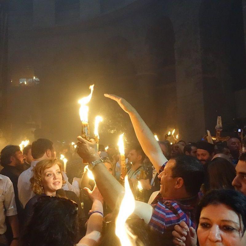 В Єрусалимі у день Благовіщення зійшов Благодатний вогонь