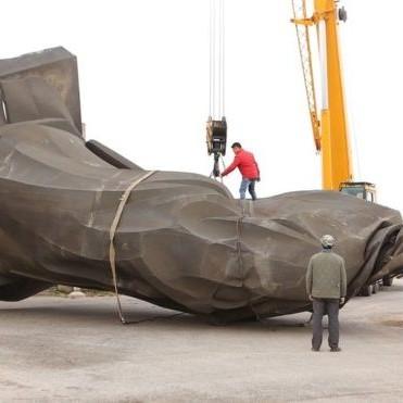 У Китаї впала шеститонна статуя імператора